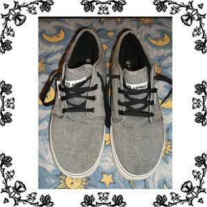 Airwalk canvas shoes Men's size 10.5